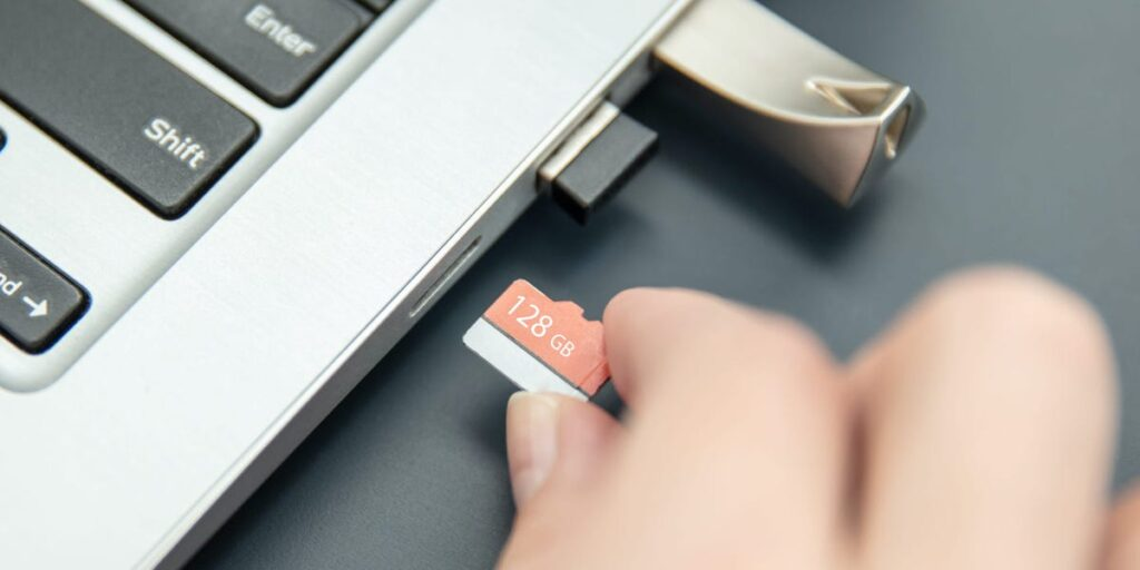 How to insert Micro SD card in Laptop without Adapter